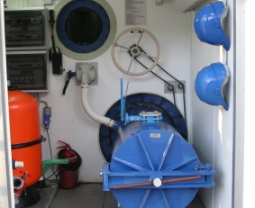 Multifunctional Training Facility for ROV Pilots and Divers