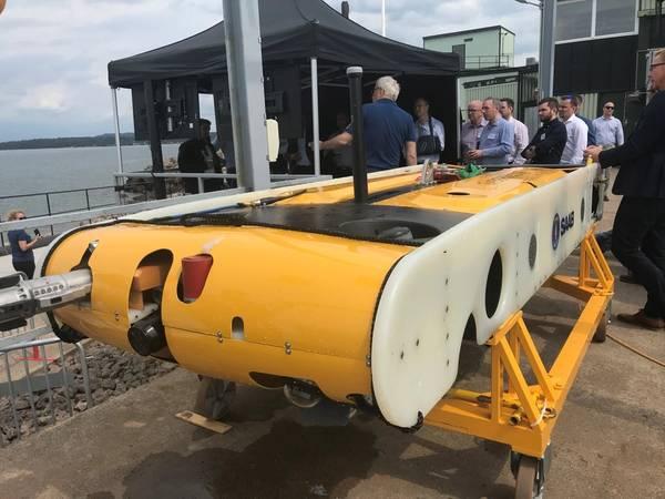 Гибридный необитаемый подводный аппарат Sabertooth компании Saab Seaeye